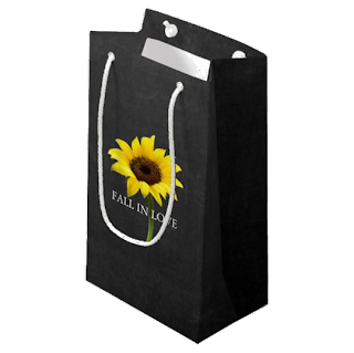 https://sites.google.com/a/ohhhhilovethat.com/ohhhhilovethat-com/new-this-month/chalkboard_autumn_bride_sunflower_party_gift_bag-r58c557cd1f64443eb2cebf72a7f05df2_zkiq9_540.png